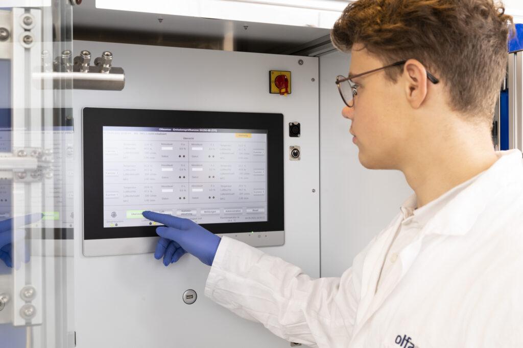 VOC emission test chamber rack system (15)